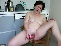 Old lesbian shot daddy masturbate her pussy with sextoy