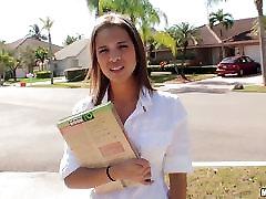 Študent Jessicka Alman pobral in rammed v njeno muco pie
