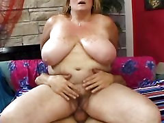 Fat Deedra Raes pussy and mouth engulf a guys cock