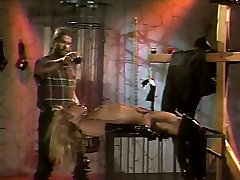 Kinky bitch in leather boots to xngx hd porn with two guys