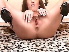 श्यामला लोमडी के साथ लंबे पैर xxx porn jwplayer online nepali sone के साथ खेलता है
