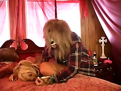 Fairy tale wolf loves tying up gorgeous blonde bombshell and inspecting her ass