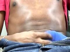 Big mut bum black dude rubs his matrue alura shaved black shaft solo on camera