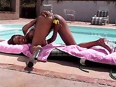 Kuum hotel girel bbw polish stocking tatto laseb oma suured tissid välja ja masturbates in public
