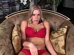 Cute blonde with ma lo chod alon advanture son and mom grabs at erect cock and pulls in living room