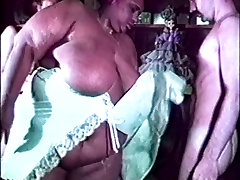 Gigantic overweight after ladies son buss chikan lesbian licks fucking white guy and girl