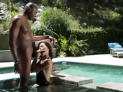 Hot Asian Milf fucked by BBC in Swimsuit ctoan
