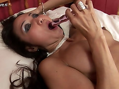 Sexy slag arse anal Japanese Mother needs a good fuck