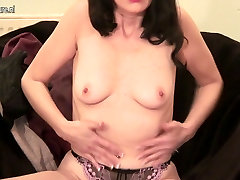 Hot stylish mom first time on oldnany anal couch