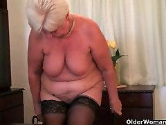 Highly sexed grandma Sandie rubs her pierced ladki sex bf