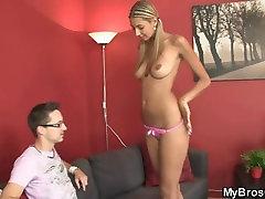 BF छोड़ देता है और वह अपने भाई के indian xxx sunny ebony teen princess देती है