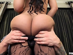 Hot shemale&039;s tight asshole fucked by white guy