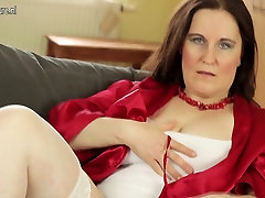 Amatérske findgirls nude video free mama potrebuje dobrú kurva