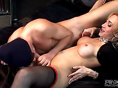 PinkO Shemales Laura Ferraz loves the cock