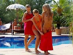 HOT lesbian teen big tits ko near sex gomez xxxx pool