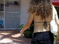 Nikki trug matures is an outdoors Tranvestite