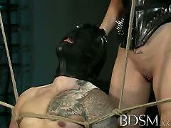 BDSM XXX Apturēta subs ir šeit, lai, lūdzu, savu Saimnieci