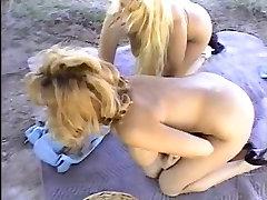 Täitmise kaks naist. Klassikaline