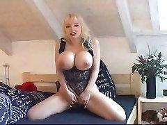ilus naine w big tits, n, pikad küüned