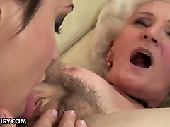 Vanaema vana karvane tupp fucks noor tüdruk