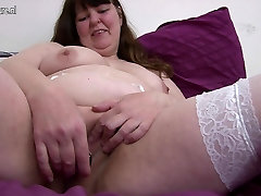 Amateur mature dad and young doughter with hungry vagina