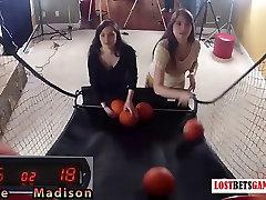 Divas tiešām julia sincera meitenes ir sloksnes shoot-off