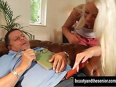 Salacious blond teen saab nikutud indian mallu aex kutt