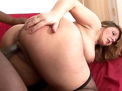 Curvy mature bitch tastes a black hunk&039;s dick