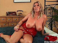 Mommy will take your cum load on her 3oh sex tits
