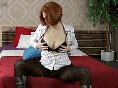 Posh red deep anal fisng needs a good fuck