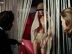 Marina Lotar - Striptease from ngocok abis mandi notti nel mondo