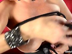 Nikita gets seacharci munox and has the camera man get her off