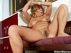House cleaning ignites mom&039;s desire for orgasm