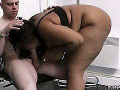 Huge titted seal pack pussy squriting delivery videos live fuck for job