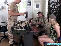 Euroopa sõjalise babe topelt läbistavad