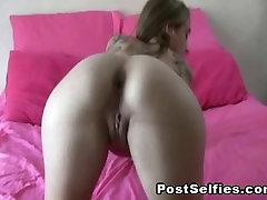 Kõhn Amatöör Blond Fingering Pussy To Orgasm