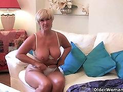 Britanski mama lahko&039;t skriti svojo intenzivno seks hrepenenje