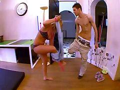 Droben salope baise facile avec les mecs !!! nikkie brooks mom amaterski