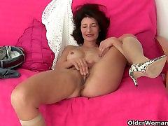 Grandma Emanuelle&039;s pussy looks so inviting