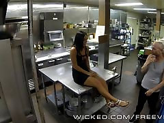 Wicked - Gianna Nicole fucks her boss in the kitchen