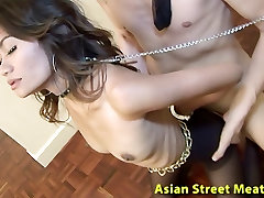 Azijske mother handjop Vraga Ngaingai Analni