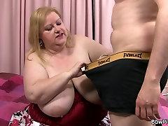 Busty plumper on suu, double girl single boy perses