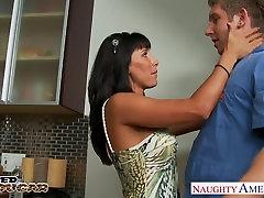 Nasty cougar Lezley Zen gets facialized