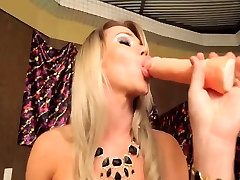 Hot futanari tranny jerk off for you
