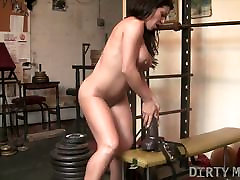 Fit Hottie Rides HUGE Dildo in the Gym