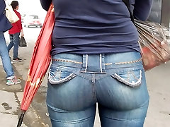 Mature young man live 24 Jeans