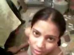 घर का बना एकल वीडियो में एक भारतीय प्रेमिका