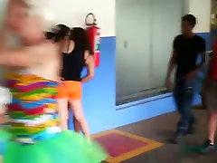 Brasiilia lesbi tüdrukud avalik suudlemine