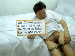 pulling my lepord panties down showing u my male pussy
