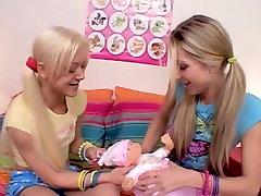 blonde japans sleep mom lesbians